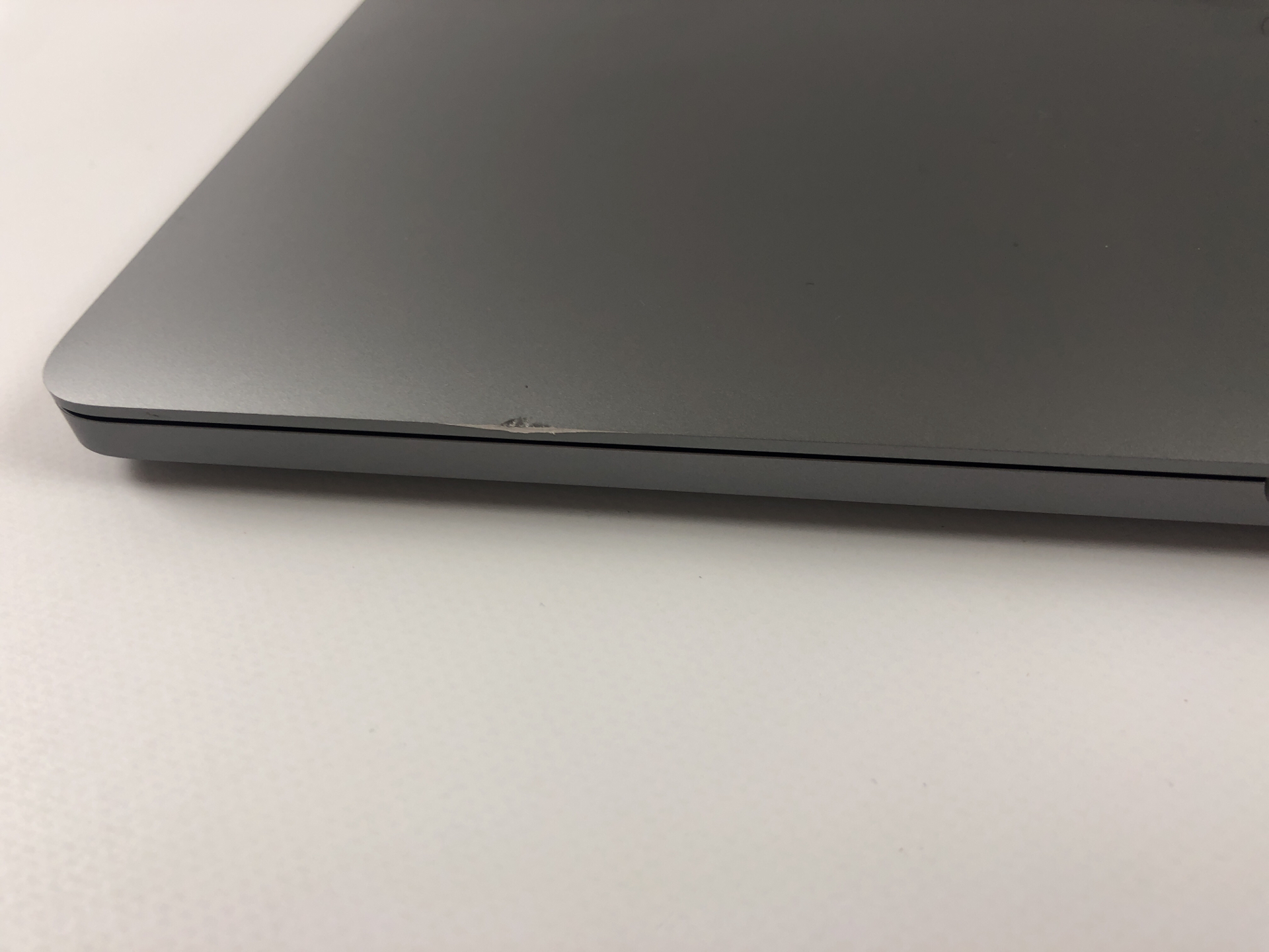 "MacBook Pro 13"" 4TBT Mid 2018 (Intel Quad-Core i5 2.3 GHz 8 GB RAM 512 GB SSD), Space Gray, Intel Quad-Core i5 2.3 GHz, 8 GB RAM, 512 GB SSD, obraz 3"